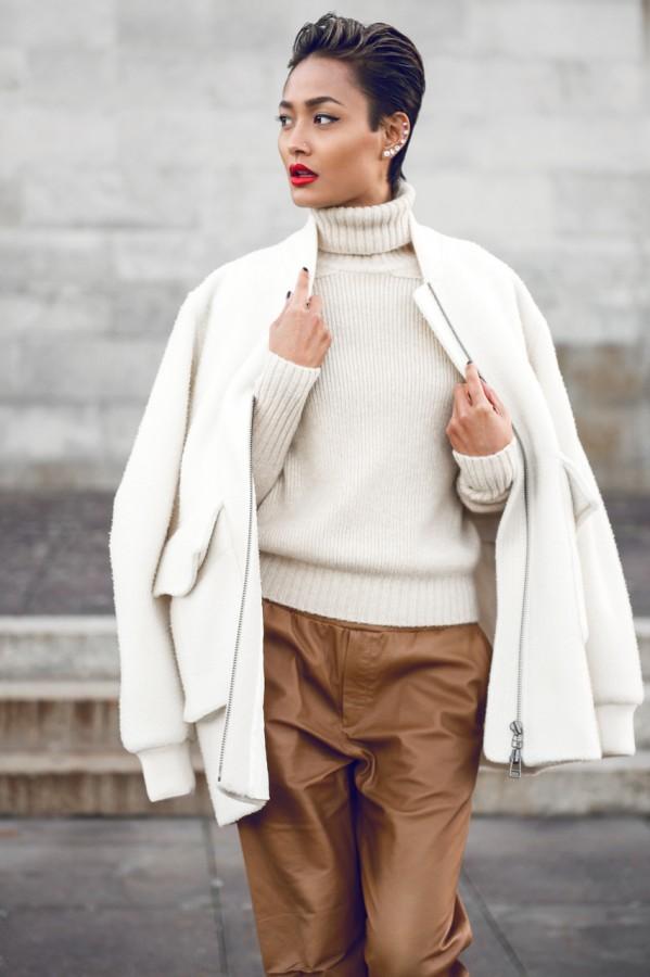 Идея для шоппинга: свитер с высоким воротом 10
