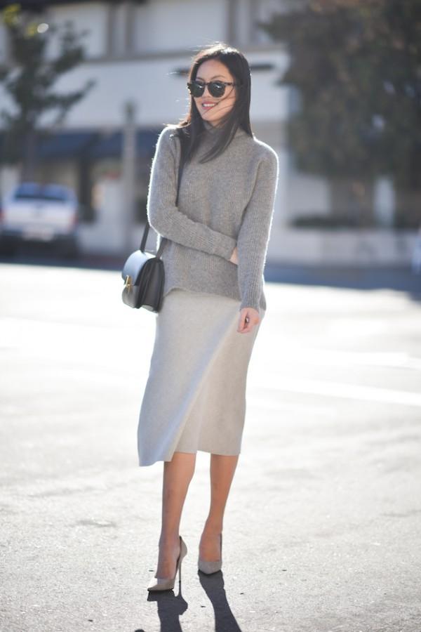 Воплощение нежности: мягкий свитер поверх платья 8