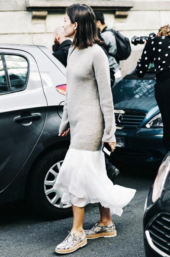 Воплощение нежности: мягкий свитер поверх платья 5