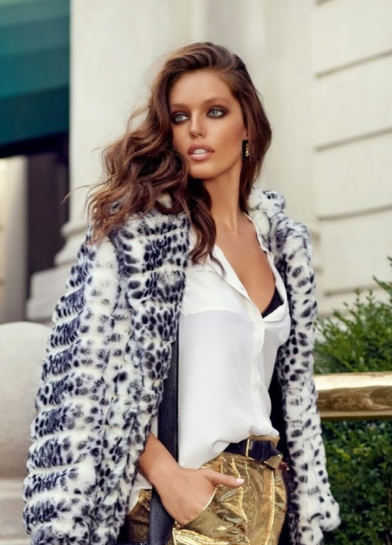 Emily DiDonato for Vogue Spain by Miguel Reveriego 0